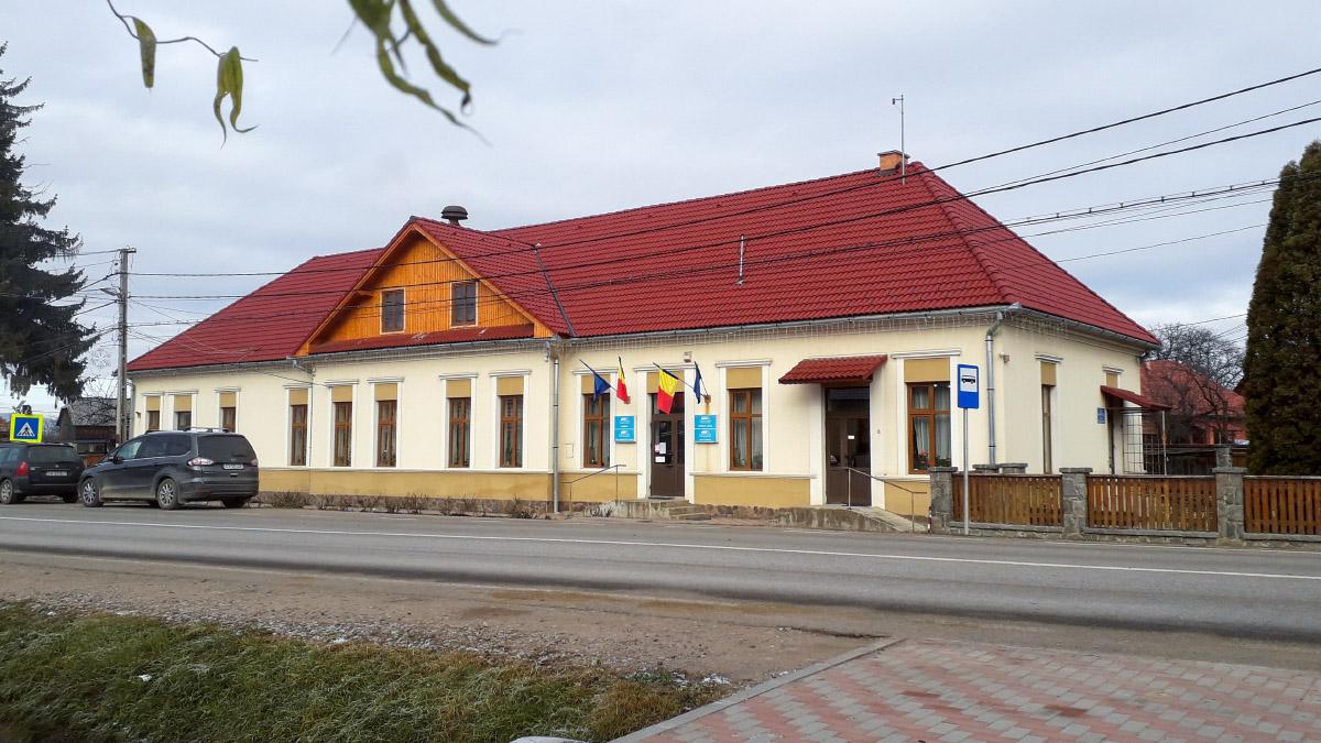 Ozsdola - római katolikus templom (© Țetcu Mircea Rareș / Wikipedia)